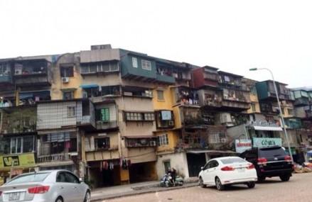 Chung cư cũ Hà Nội: Cuộc sống trong nỗi sợ hãi