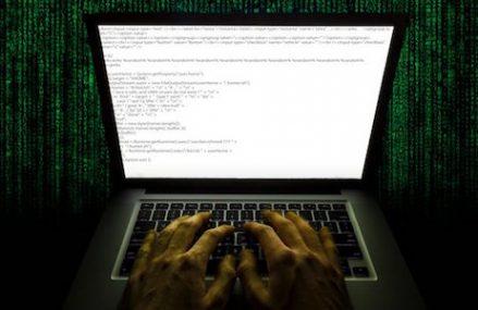 [Hacker]                       Hack trang web của Tổng thống để hoãn lịch thi