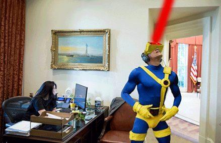 [Kính thực tế ảo]                       Obama dùng kính VR thành đề tài chế ảnh trên mạng