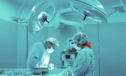 [Phẫu thuật]                                           Bệnh nhân dễ chết nếu được phẫu thuật vào ban đêm