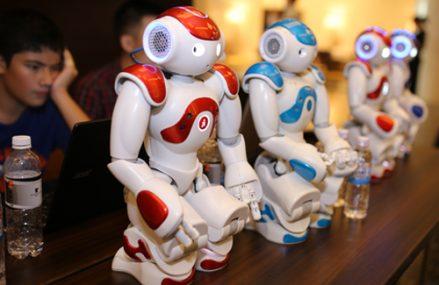 [Robot]                       Robot lần đầu được ứng dụng trong giáo dục tại Việt Nam