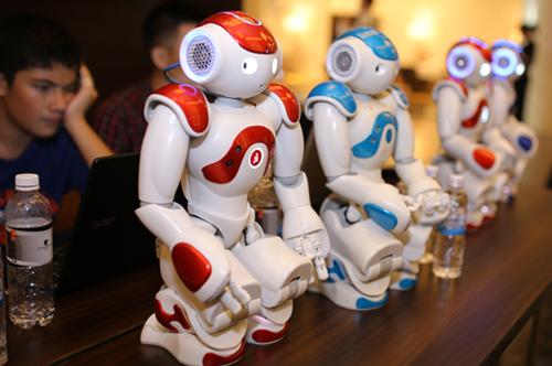 [Robot]                       Robot lần đầu được ứng dụng trong giáo dục tại Việt Nam                                     768